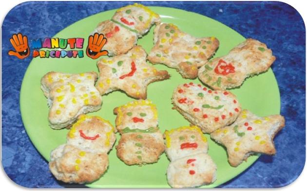 Primii biscuiti ai bebelusului