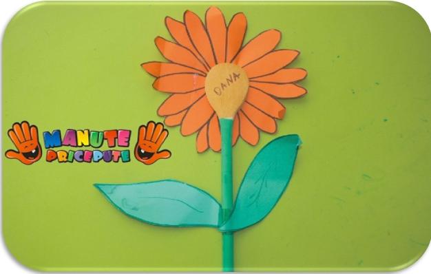 Floare din lingura de lemn