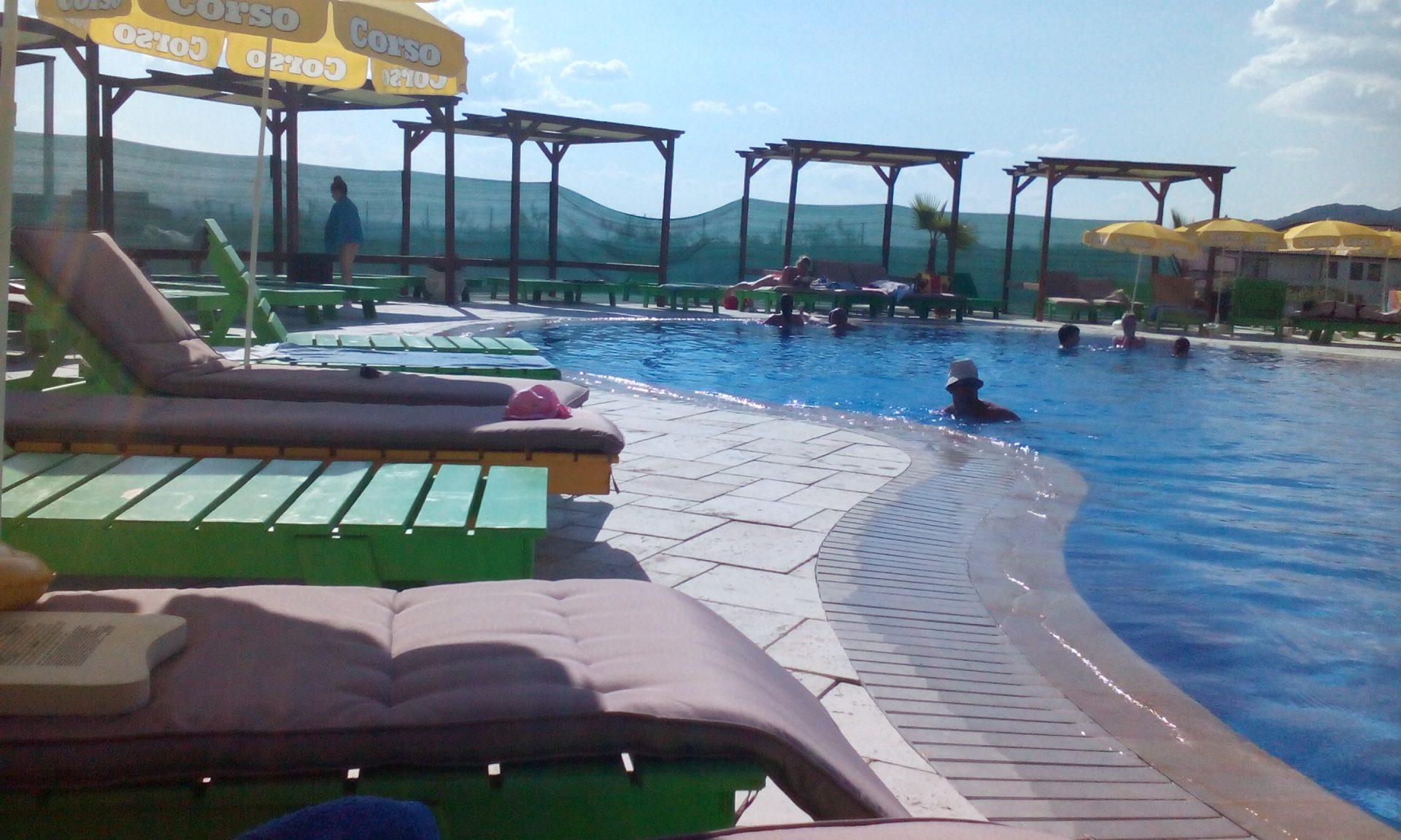 Distractie pentru toata familia la piscina DruRelax de langa Baia Mare