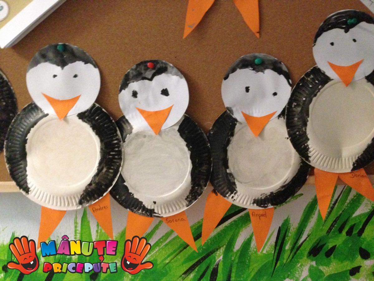 Pinguini din farfurii de hârtie